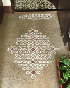 Rangoli Borders, Rangoli Patterns, Rangoli Ideas, Rangoli Designs Diwali, Rangoli Designs Images, Kolam Rangoli, Simple Rangoli Border Designs, Free Hand Rangoli Design, Rangoli Designs With Dots