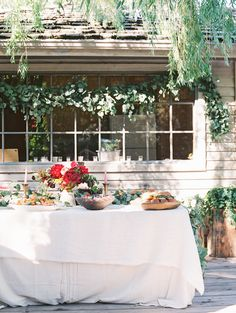 Photography : DArcy Benincosa Read More on SMP: http://www.stylemepretty.com/living/2014/07/25/backyard-bridal-shower/