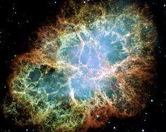Der Krebsnebel ist der Überrest einer Supernovaexplosion, die sich im Jahr 1054 ereignete.