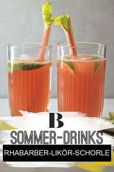 Rhabarber-Likör-Schorle. Einfacher geht es kaum: Im Handumdrehen entsteht eine leckere Rhabarber-Likör-Schorle, die bei jeder Sommerparty eine gute Figur macht! Aus Rhabarberschorle und Likör 43 zaubert ihr ganz fix einen leckeren sommerlichen Drink. #drink #erfischung #erfrischungsgetränk #likör #schorle #rhabarber #sommerdrink Hot Cocoa Recipe, Cocoa Recipes, Beste Cocktails, August Challenge, Table Setting Inspiration, Slushies, Cocktail Drinks, Shot Glass, Tart