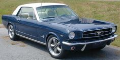 An interesting 1964 Mustang with lots of extras added by Bill Elliott Ford Mustang 1965, Blue Mustang, Mustang Fastback, Mustang Cars, 1964 Ford, Ford Mustangs, My Dream Car, Dream Cars, Classic Mustang