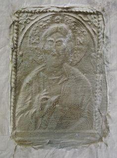 "Enrique Medina ""Cristo"" Acrílico sobre tela 25 x 17 cm.  http://www.portondesanpedro.com/ver-producto.php?id=11796"
