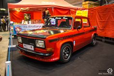 Simca 1000 Rallye II à Epoqu'Auto. Reportage complet : http://newsdanciennes.com/2016/11/06/encore-plus-grand-epoquauto-2016-etait-phenomenal/