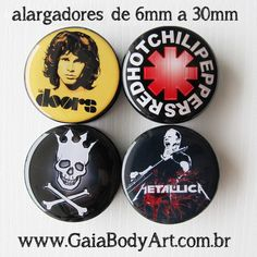 Essas grandes bandas viraram alargadores cheios de atitude! 1) Alargador The Doors / Jim Morrison: https://www.gaiabodyart.com.br/alargador-the-doors 2)  Alargador Red Hot Chili Peppers: https://www.gaiabodyart.com.br/alargador-red-hot-chili-peppers 3) Alargador Pearl Jam Skull: https://www.gaiabodyart.com.br/alargador-pearl-jam-caveira 4) Alargador Metallica: https://www.gaiabodyart.com.br/alargador-metallica