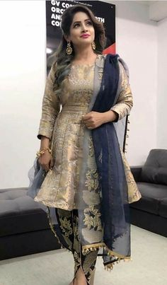 Party dress in pakistan india trendy Ideas Designer Party Wear Dresses, Kurti Designs Party Wear, Salwar Kurta, Indian Salwar Kameez, Dhoti Salwar Suits, Sharara, Pakistani Dress Design, Pakistani Dresses, Punjabi Fashion