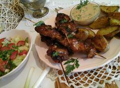 Mogyorós pulyka saslik/steak krumplival és mártogatóssal… http://mediterran.cafeblog.hu/2015/07/09/mogyoros-pulyka-sasliksteak-krumplival-es-martogatossal/
