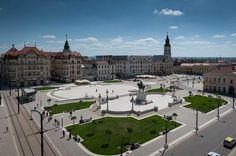 Union Square, Oradea, Romania x Bucharest Romania, Union Square, A 17, Geography, Places Ive Been, Paris Skyline, Beautiful Places, Places To Visit, Exterior