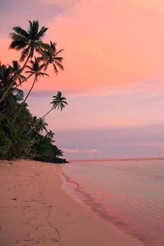 The Best Honeymoon Destinations In 2017 ❤ See more: www. 70 Best Honeymoon Destinations In 2020 Best Honeymoon Destinations, Dream Vacations, Romantic Vacations, Travel Destinations, Romantic Travel, Beach Aesthetic, Travel Aesthetic, Aesthetic Backgrounds, Aesthetic Wallpapers