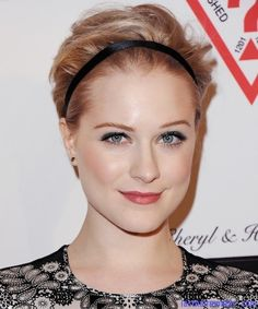Evan Rachel Wood, short hair Like the headband with her short hair!