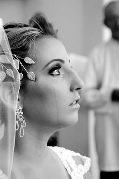 Foto de Raphael Garcia, finalista do 1º Concurso Fotografia de Casamento, em 2012. Hera, Earrings, Fashion, Wedding Photography, Pictures, Ear Rings, Moda, Stud Earrings, La Mode