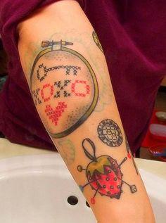 XO ステッチ ブロガー、Niku 区区区 Arbabi クールなクロスステッチのタトゥー。入れ墨アートワーク Austin、テキサス州のタトゥーの蟻でステイシー ・ マーティンにミスは. 25333