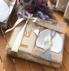 Desi Wedding Decor, Diy Wedding, Wedding Favors, Wedding Gifts, Wedding Decorations, Wedding Hamper, Wedding Gift Baskets, Diy Gift Baskets, Bridal Gift Wrapping Ideas