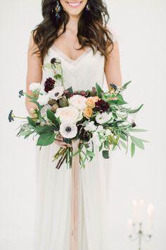 Full, gorgeous bouquet: http://www.stylemepretty.com/destination-weddings/2015/01/15/romantic-santorini-wedding-inspiration/ | Photography: Heidi Lau & Artiese