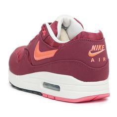 28f8ecab531f Nike Air Max 1 PRM Free Running Shoes