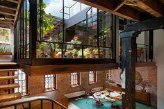 Die studio-basierte Designfirma Andrew Franz Architect PLLC haben großartige Arbeit geleistet, als sie das alte Lager aus dem Jahre 1884...