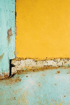 colour! Yellow and light blue... lovely
