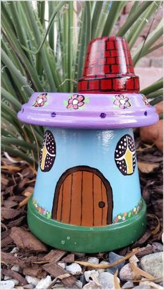 Garden Gnome House made from Clay Pots...these are awesome Garden & DIY Yard Ideas! Clay Pot Projects, Clay Pot Crafts, Diy Clay, Diy Projects, Flower Pot Art, Flower Pot Crafts, Flower Pots, Flower Pot People, Clay Pot People