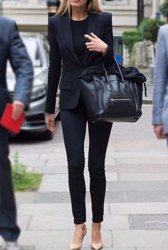 Chic / All black with tan heels