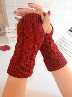 Threaded Half Finger Knit Gloves for Winter Cool Outfits, Fashion Outfits, Womens Fashion, Fashion Trends, Female Fashion, Casual Outfits, Vintage Chic Fashion, Finger Knitting, Knitting Blogs