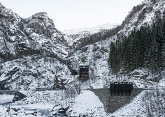 Allmannajuvet tourist route pavilion in Norway by Peter Zumthor. Photograph by Per Berntsen Peter Zumthor Architecture, Pavilion Architecture, Futuristic Architecture, Ancient Architecture, Sustainable Architecture, Landscape Architecture, Architecture Design, Wooden Buildings, Timber Structure