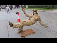 Secret revealed London street performer, floating and levitating trick - YouTube