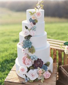 Floral Wedding Cakes Beautiful white wedding cake with feminine earth color foliage and flower detail for a beautiful, unique spring wedding. Mod Wedding, Elegant Wedding, Perfect Wedding, Rustic Wedding, Dream Wedding, Wedding Day, Trendy Wedding, Wedding Vintage, Elegant Chic