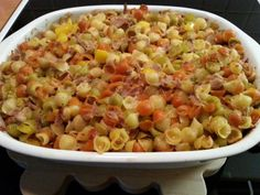 Tonnikalapasta uunissa Tasty, Yummy Food, Pasta Salad, Macaroni And Cheese, Nom Nom, Food And Drink, Easy Meals, Baking, Vegetables