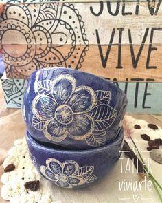 Pottery Bowls, Ceramic Bowls, Ceramic Pottery, Ceramic Painting, Ceramic Art, Glaze Paint, Pottery Techniques, Sgraffito, Pottery Designs