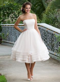 Sweetheart Gowns #6131   10 Stunning Tea Length Wedding Dresses For 2017   Simple & Gorgeous Vintage Wedding Gown for Modern Bride - Inspired Bride