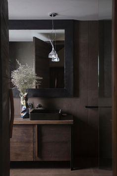 The Hardwood House by Adam Kane Architects