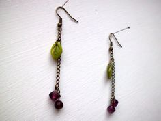 Purple minimal flower earrings nature friendly di MyLittleBlueDot, €7.95