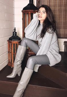 Sweater Boots, Sweaters And Leggings, Leggings Are Not Pants, Brown Boots Outfit, Leather Pants Outfit, Sexy Boots, Casual Boots, Casual Outfits, Leggings Fashion