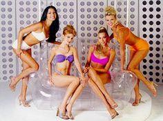 Miss Nueva Esparta, Norkys Batista - Miss Zulia, Yelitza Vásquez - Miss Trujillo, Madeleine Sánchez y Miss Cojedes, Rocio Álvarez.. En el Miss Venezuela 1999...