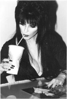 Elvira coffee time
