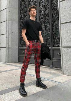 I'd like to see you in some red plaid pants plz Fashion Mode, Boy Fashion, Korean Fashion, Mens Fashion, Fashion Outfits, Fashion Trends, Fashion Shorts, Tumblr Fashion, Trending Fashion