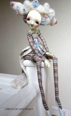 Maria Antonietta paper clay art doll par Circusofthelostdolls