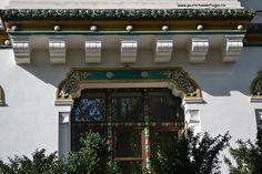 scoala centrala de fete Mansions, Architecture, House Styles, Romania, Home Decor, Arquitetura, Decoration Home, Manor Houses, Room Decor