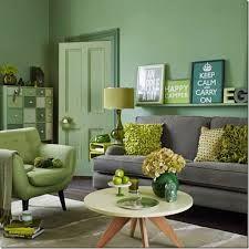 Risultati immagini per pareti verdi arredo legno scuro