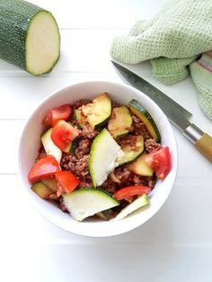 Rezepte - strenge Phase/Low Carb - Pretty You - Hcg diät - Low carb zucchini minced meat pan Hcg Diet Recipes, Low Carb Recipes, Meat Recipes, Juice Recipes, Keto Meal Plan, Diet Meal Plans, Low Carb Breakfast, Low Carb Diet, Meal Planning