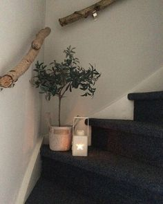 Bring Nature Into the House: 16 DIY Craft Ideas with Branches - Page 8 of 16 - DIY Handicraft Ideas Living Room Inspiration, Interior Inspiration, Interior Stairs, Banisters, House Stairs, Home And Living, Decoration, Sweet Home, New Homes