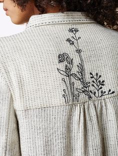 Every dress from Anita Dongre Grassroot is a journey. These clothes sing stories of the who make them, of their strength and This dress starts as a sketch in our design studio. Hand Embroidery Dress, Embroidery On Clothes, Embroidery Motifs, Simple Embroidery, Embroidered Clothes, Machine Embroidery Patterns, Embroidery Fashion, Hand Embroidery Designs, Sewing Patterns