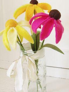youmakeitsimple: Fleece Cone Flower Tutorial