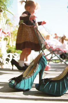 little girls + high heels =<3
