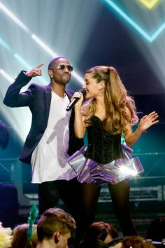Ariana Grande & Big Sean: New Year's Eve 2014 Performance!: Photo Ariana Grande hits the stage with rapper Big Sean for a performance of their song Ariana Grande Dating, Ariana Grande Big Sean, Ariana Grande 2014, Ariana Grande Songs, Ariana Grande Pictures, Celebrity Couples, Celebrity News, Rapper Big, New Year's Eve Looks