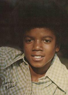 Tão lindo que era neguim e sem plástica. Pequeno Michael em fotos especiais- Fotos raras da Infância.