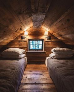 A place to share beautiful images of interior design, residential architecture and occasional other…. A place to share beautiful images of interior design, residential architecture and occasional other… Cabin Loft, Cozy Cabin, Winter Cabin, Attic Bedrooms, Bedroom Loft, Attic Loft, Garage Attic, Bedroom Kids, Architecture Résidentielle