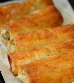 Leek, mushrooms and cheese stuffed filo rolls. Μπουρεκάκια με πράσο, μανιτάρια και τυριά | Γιάννης Λουκάκος