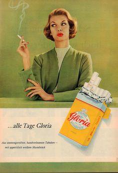 "She Sells Smokes: 30 ""Women-Only"" Vintage Tobacco Ads - Flashbak Retro Advertising, Vintage Advertisements, Vintage Ads, Vintage Looks, Vintage Posters, Retro Ads, Vintage Stuff, Smoke Painting, Vintage Cigarette Ads"