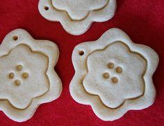 Salt Dough Flowers. Use them as Ornaments, Gift Tags or Pretty Party Favors. $7.00 Via Etsy   ;)  www.mammarachel.etsy.com