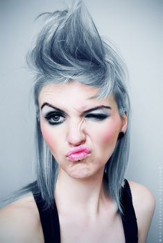 @Ashley Adams this is the valorian look you would rock! haha all that you need is purple eyes, brad would be so happy :P